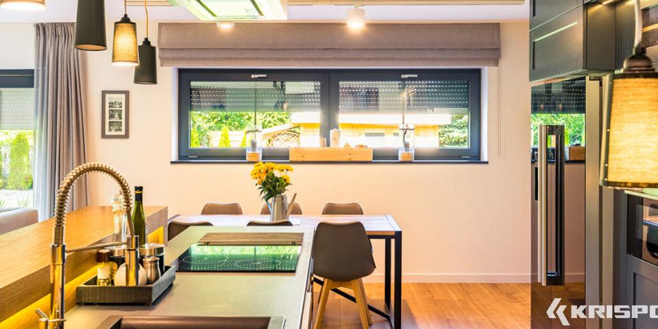 Okna uchylne w nowoczesnej kuchni